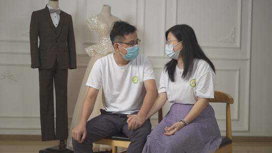 抗疫新人接受访谈,讲述抗疫爱情故事2.png